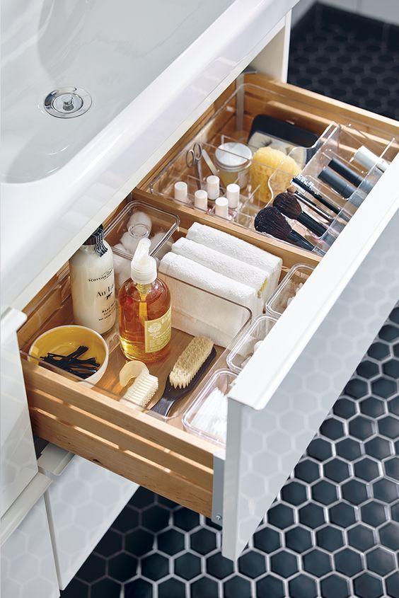 rangement produit de beaut good top rangement rotatif de cosmtiques mdesign lazy susan pour. Black Bedroom Furniture Sets. Home Design Ideas